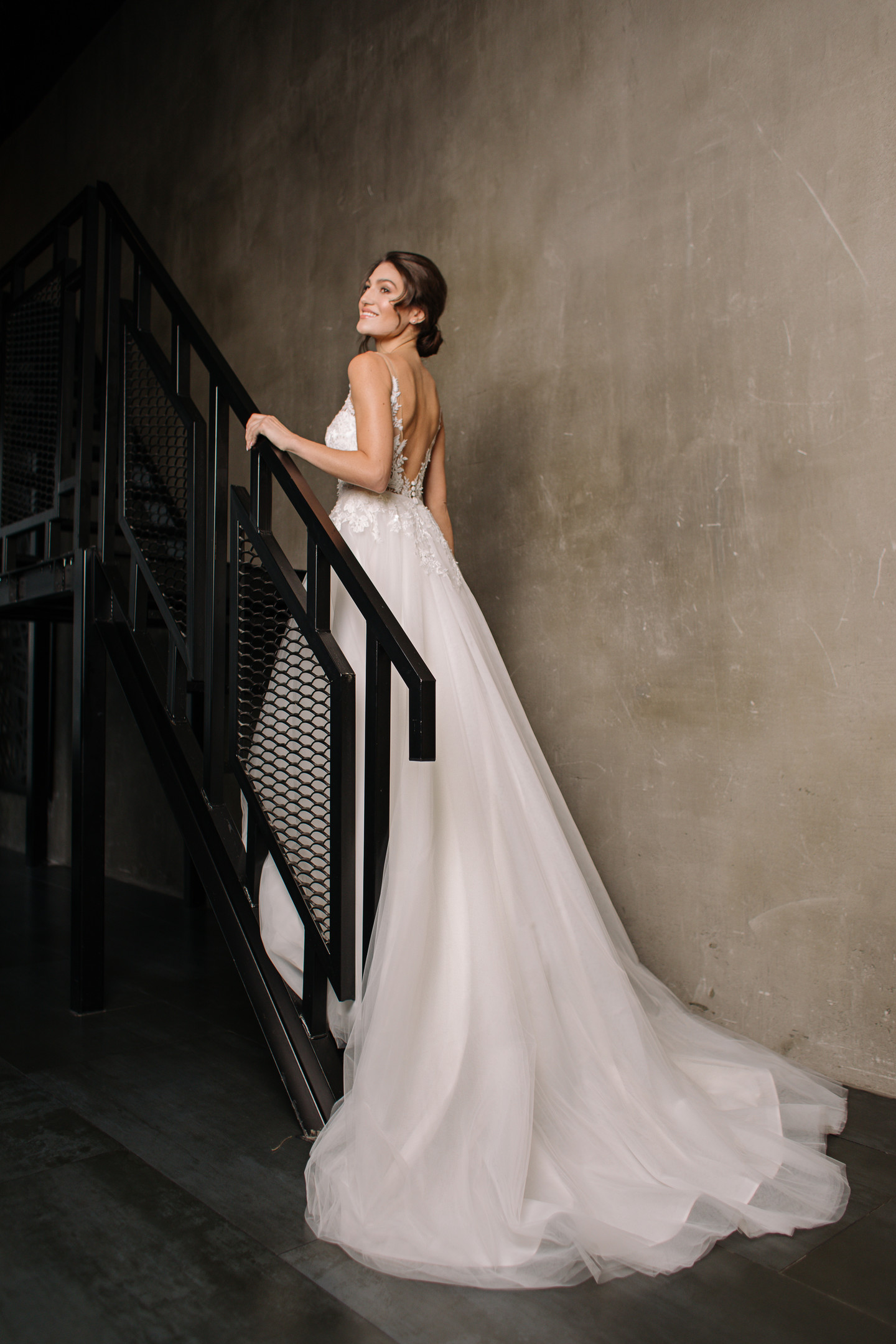 Adele gown, 2019, couture, gown, dress, bridal, off-white, lace, A-line, train, tulle, discount, sale