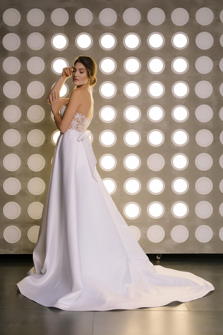 Orabel gown, 2019, couture, dress, bridal, white, lace, A-line, embroidery, train, discount, sale