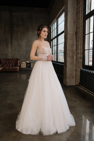 Elinor gown, 2019, couture, gown, dress, bridal, vanilla, tulle, embroidery, sleeves, A-line, discount, sale