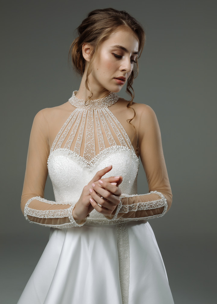 Magali gown, 2019, couture, gown, dress, bridal, off-white, satin, embroidery, train, sleeves, A-line