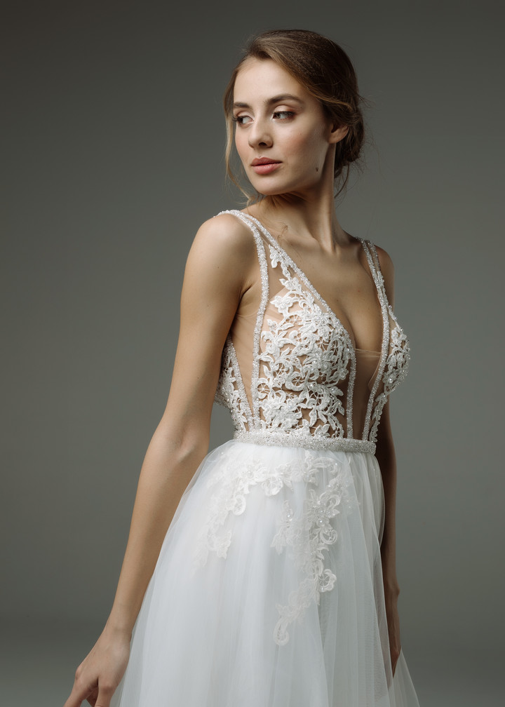 Sylvian gown, 2019, couture, gown, dress, bridal, off-white, lace, A-line, tulle, popular