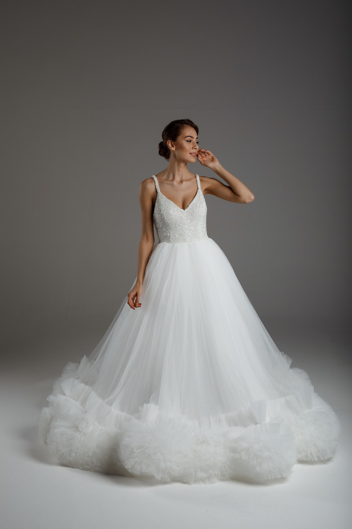 Esmeralda gown, 2020, couture, dress, bridal, off-white, tulle, embroidery, A-line