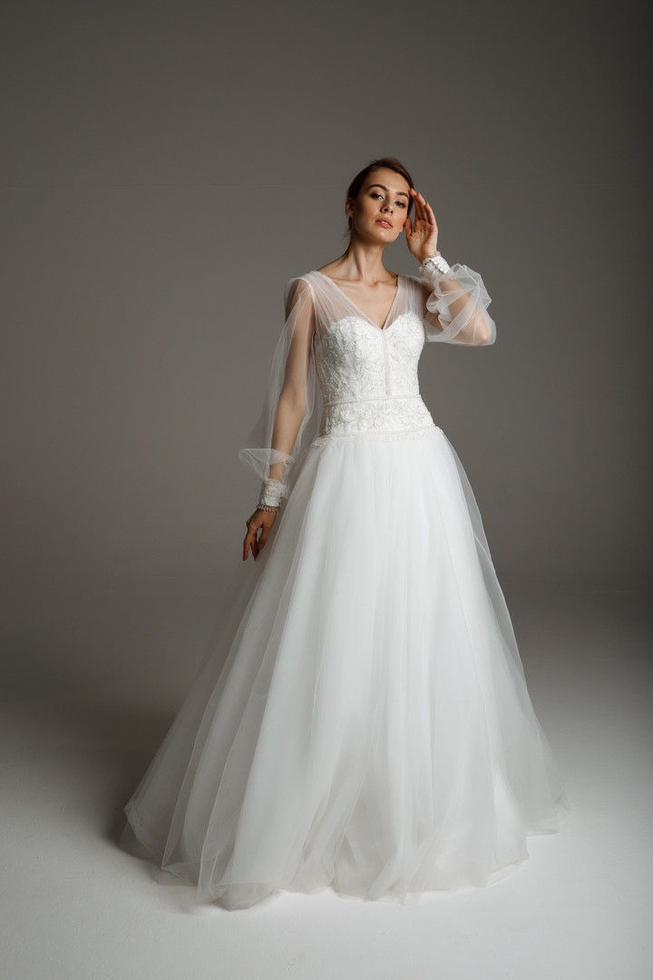 Naomi gown, 2020, couture, dress, bridal, off-white, lace, embroidery, sleeves, A-line, tulle