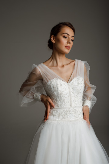 Naomi gown, 2020, couture, gown, dress, bridal, off-white, lace, embroidery, sleeves, A-line, tulle