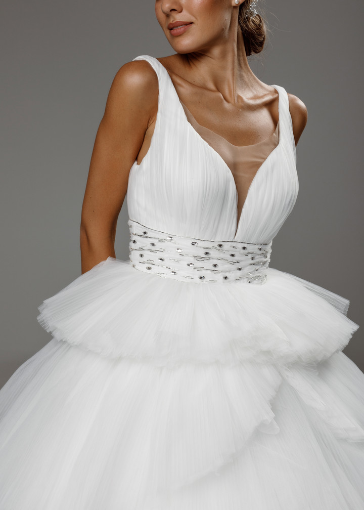 Vivien gown, 2020, couture, gown, dress, bridal, off-white, tulle, embroidery, A-line, train