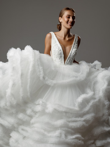 Amelie gown, 2020, couture, gown, dress, bridal, off-white, tulle, embroidery, A-line, train