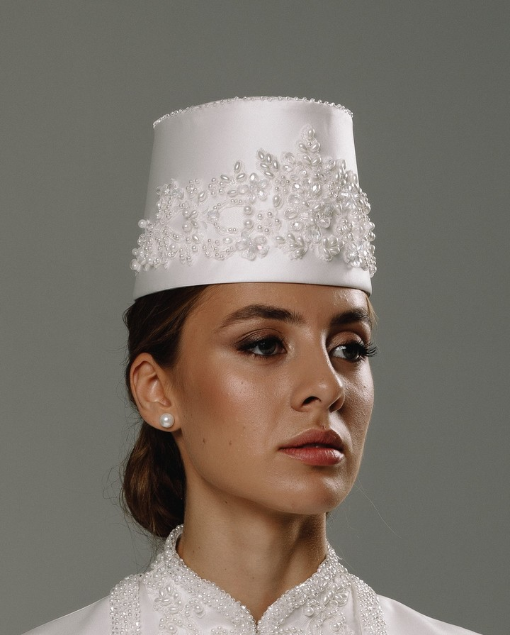 Roxana headdress, 2020, accessories, headdress, bridal, off-white, Roxana, embroidery