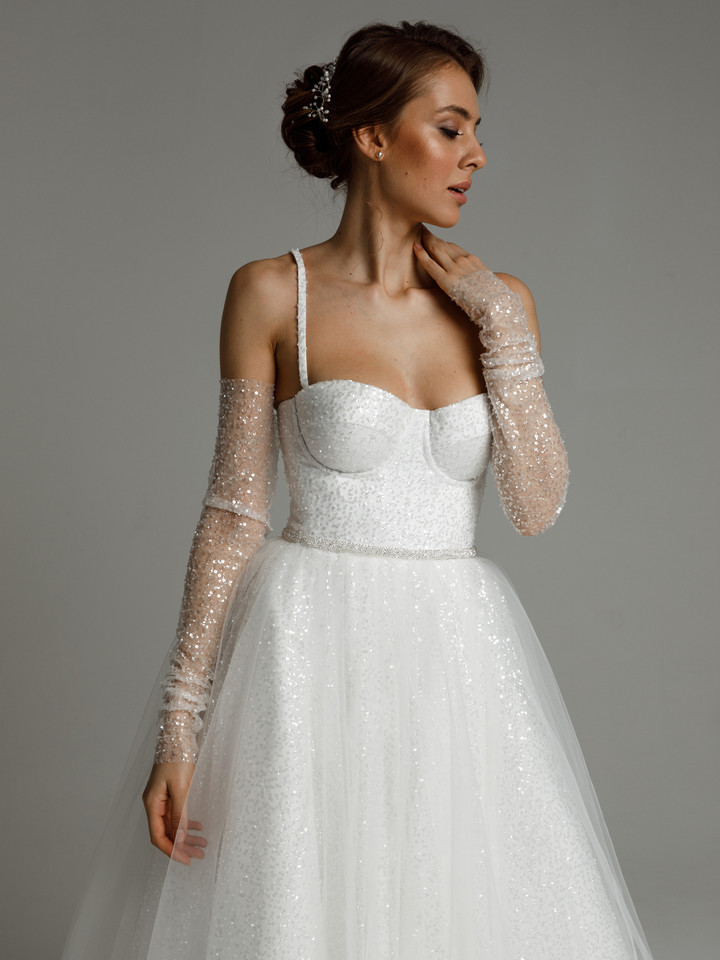 Avril gown, 2021, couture, dress, bridal, off-white, Avril, A-line, embroidery, lacing corset