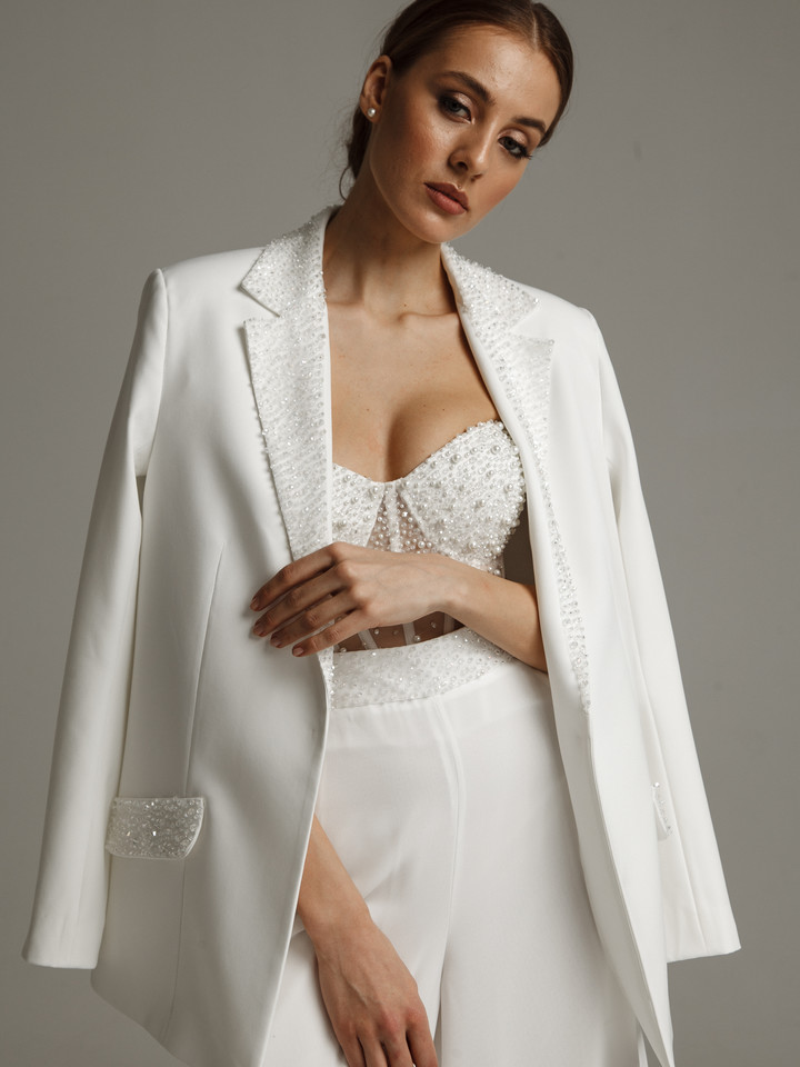 Over size jacket, 2021, couture, jacket, bridal, off-white, beaded bridal suit #2, sleeves, embroidery