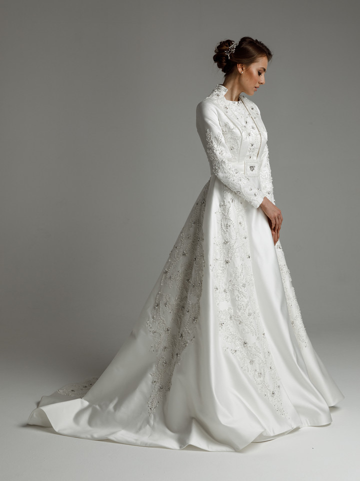 Gertrude gown, 2021, couture, gown, dress, bridal, off-white, satin, embroidery, A-line, train, sleeves, lace