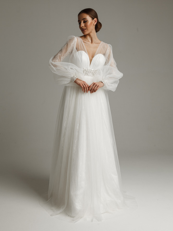 Loret gown, 2021, couture, dress, bridal, off-white, lace, A-line, embroidery, sleeves