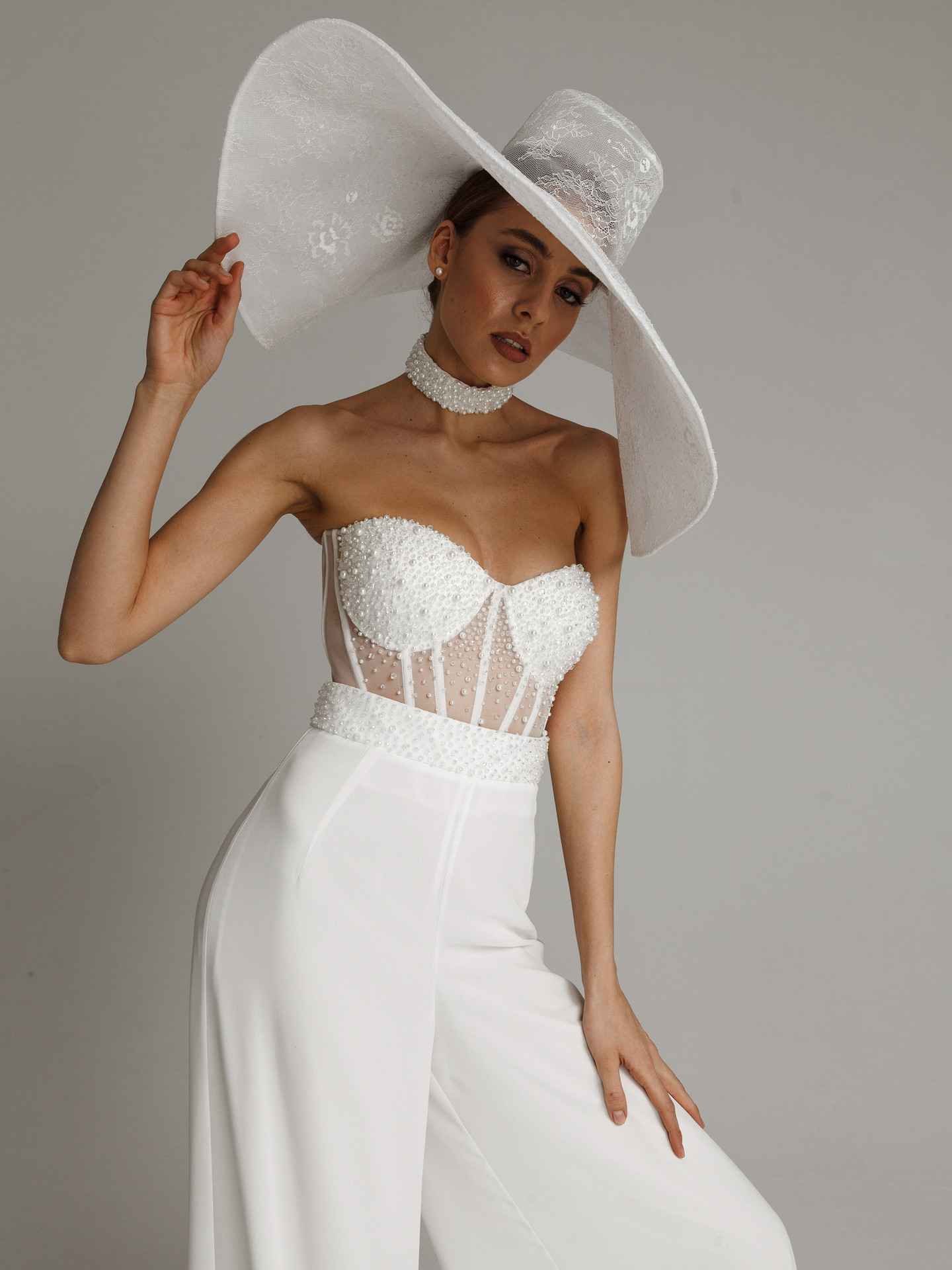 Wide-brimmed hat, accessories, headdress, bridal, off-white, beaded bridal suit, hat