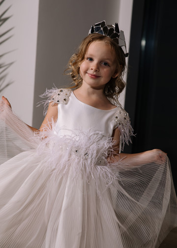 Didi flower girl dress, 2021, couture, child dress, child, off-white, tulle, embroidery, satin, flower girl