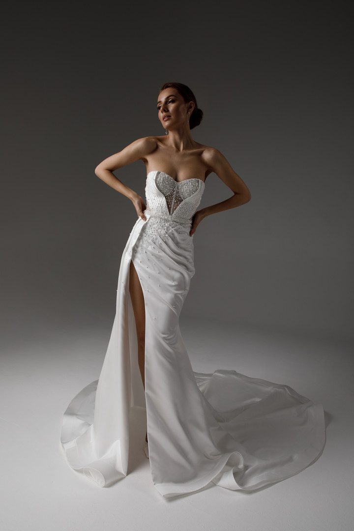Vilma gown, 2021, couture, dress, bridal, off-white, satin, embroidery, sheath silhouette, train